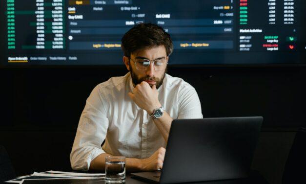 Wat Zijn Brokers & Wat Doen Ze Precies? [Uitleg]